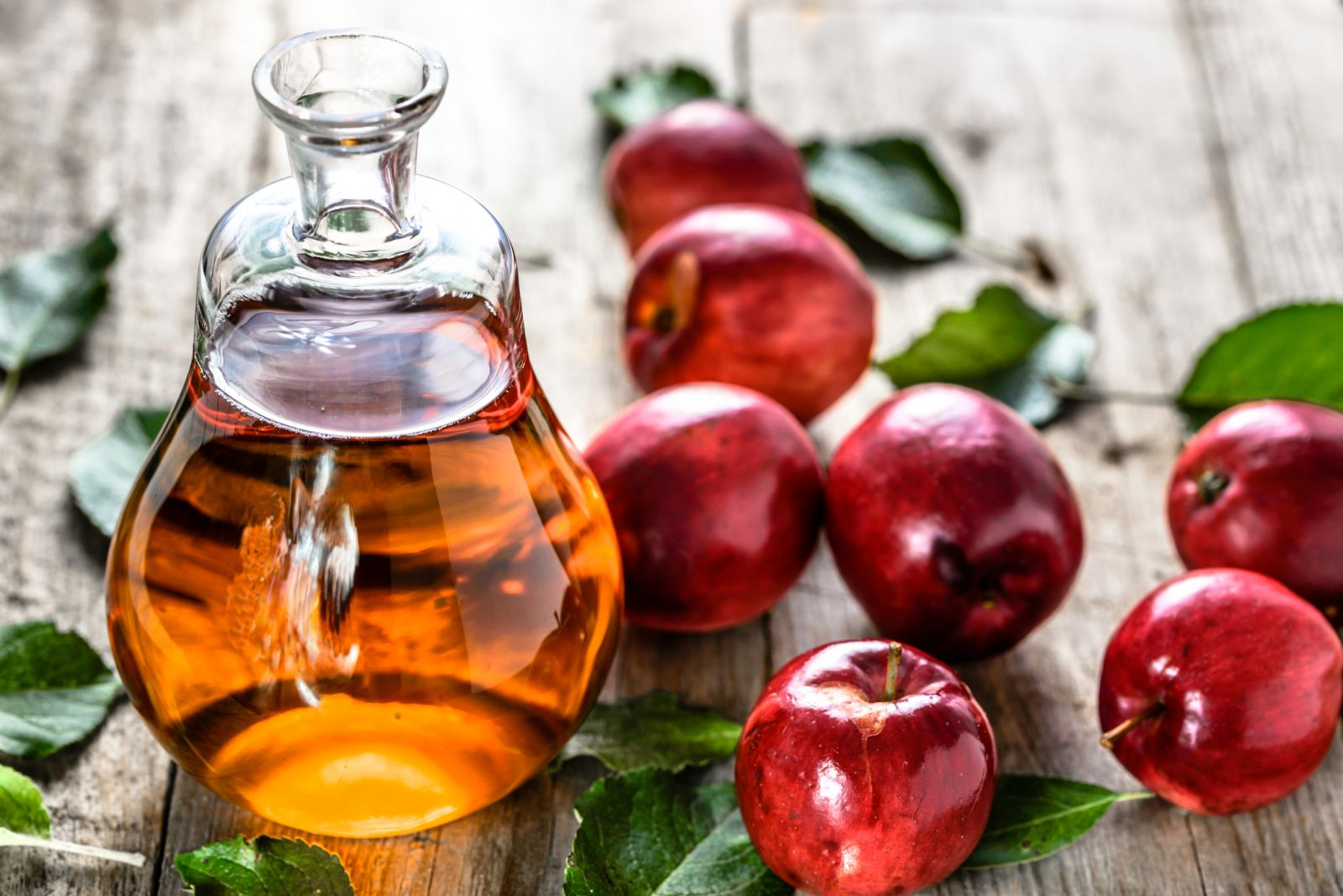 Clean Your Face with Apple Acetum