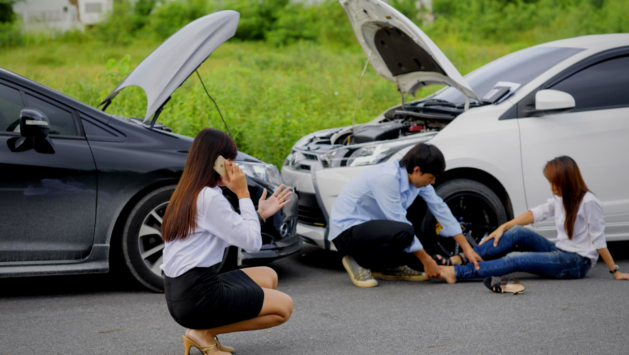 Can A Personal Injury Lawyer Really Help You After An Auto Accident?